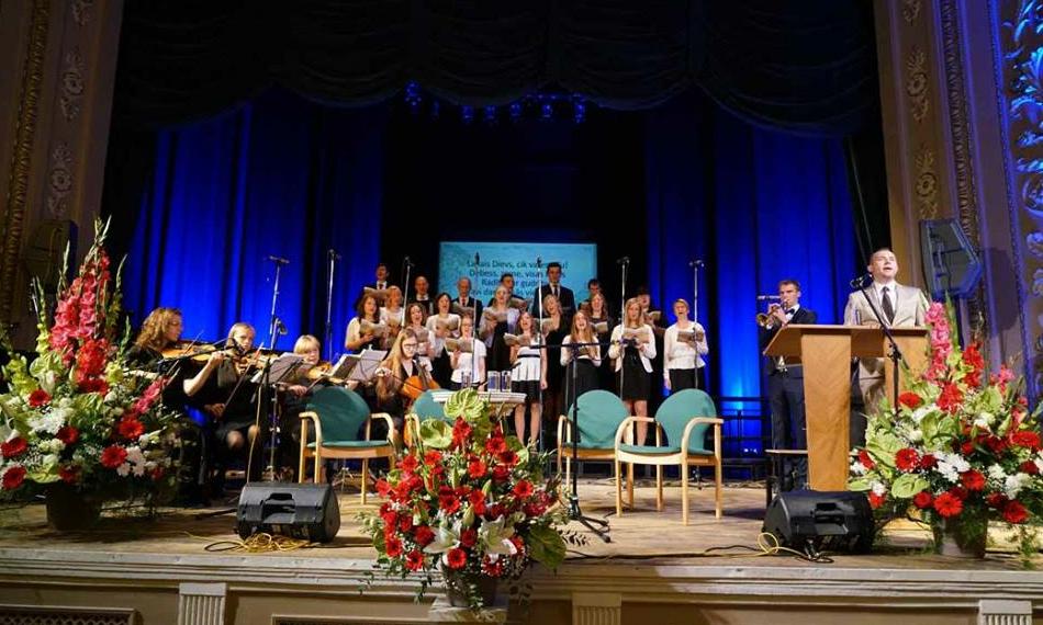 L�tis t�histati 120 aasta m��dumist advents�numi kuulutamisest riigis